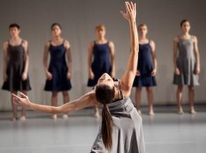 海外バレエ団オーディションで、フランスの振付センターはどう?