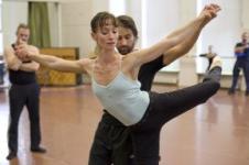 ベジャール・バレエ団が異例のオーディションをします!