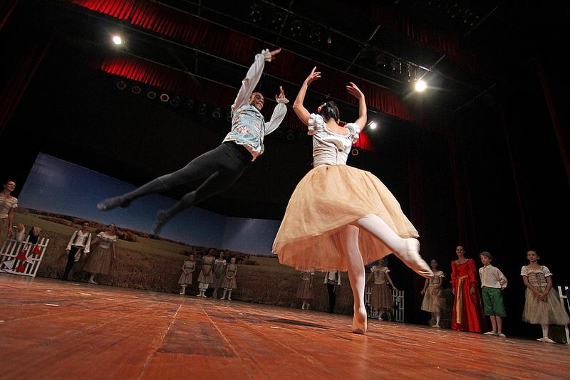 バレエ学校の短期留学:イギリス、セントラルスクールの情報