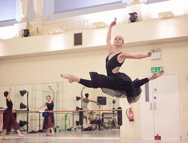 バレエオーディションで新国立劇場は公平にダンサーを選ぶのか?
