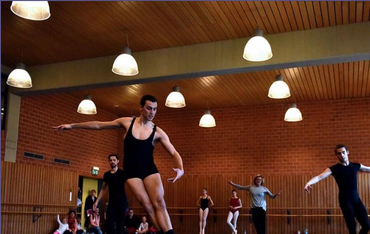 バレエ留学でプロのバレエダンサーとして外国で残れなかった場合どうしますか?
